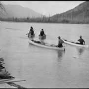 Cover image of Men in boats on Columbia River