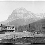 Cover image of 578. Field Hotel and Mount Stephen