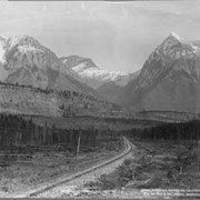 Cover image of 2084. Ottertail Mountains, Leanchoil / On the Canadian Pacific Railway