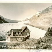 Cover image of Columbia Icefield Chalet