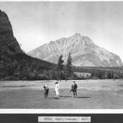 Cover image of Banff, Canada. Golf / 27015