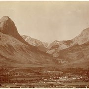 Cover image of West of White Man's Pass, Canmore, Alba / On Line of Canadian Pacific Railway. 16-32