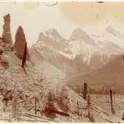 Cover image of Three Sisters and Natural Pillars, Canmore, Alba / On Line of Canadian Pacific Railway. 16-30