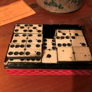 Cover image of  Domino Set